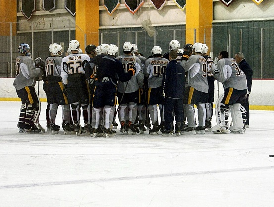 trainins camp huddle (Sarah Fuqua)